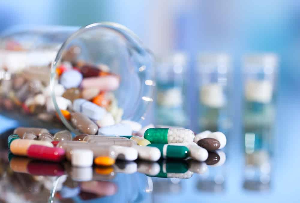 Medicamentos usados sem orientação médica são os que mais causam alergias